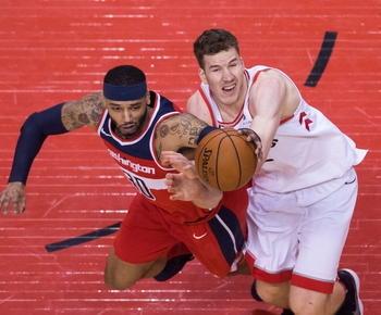 DeRozan scores 32 points, Raptors beat Wizards in Game 5