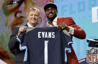 Linebacker in hand, Titans hold 2 picks for 2nd day of draft