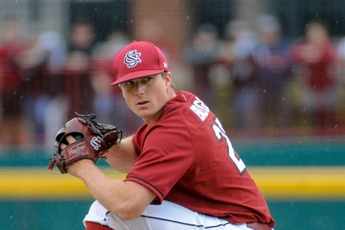 Gamecocks Rally to Beat Commodores 8-7 to Open Series