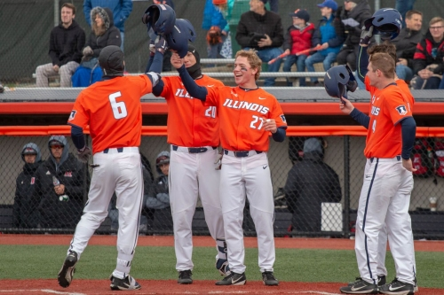 Illinois steals series opener against No. 15 Indiana, 3-2