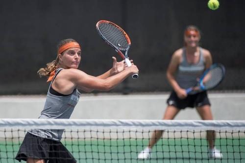 Texas women's tennis cruises to Big 12 championship final