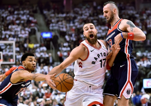 Marcin Gortat implores Otto Porter Jr. and Kelly Oubre Jr. to bulk up