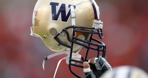 Washington recruiting notebook: Washington offers in-state ATH Darien Chase