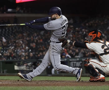 Hosmer's home run in 9th lifts Padres past Giants 3-2