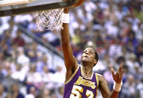 This Day In Lakers History: Magic Johnson, Kareem Abdul-Jabbar And Jamaal Wilkes Lead L.A. To Sweep Of Suns