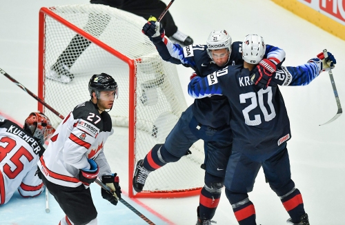 Dylan Larkin scores twice as United States beats Canada at hockey worlds