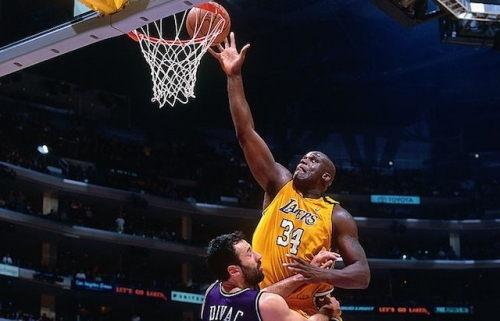 This Day In Lakers History: Shaquille O'Neal Scores 32 Points Against Kings In Decided Game 5 Of NBA Playoffs