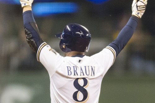 Brewers win back and forth game over Pirates, 5-3
