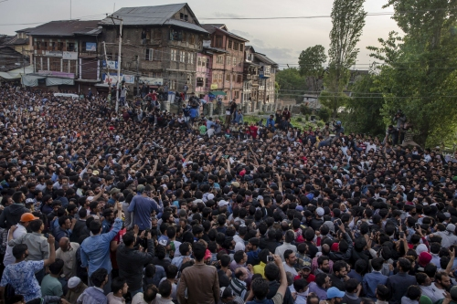 5 Kashmir rebels, 5 civilians killed in anti-India fighting