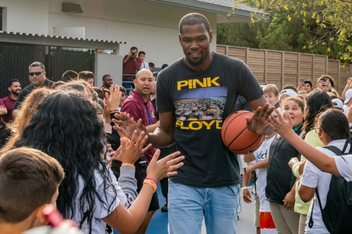 Meet Kevin Durant's Fab Four: Warriors star helping send them to college