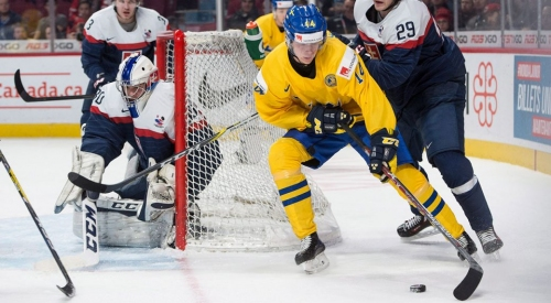 Bo Horvat and Elias Pettersson pick up wins in second World Hockey Championship games