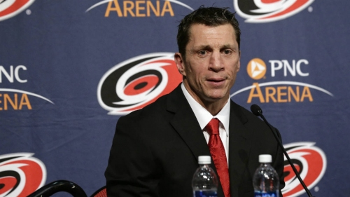 Brind'Amour eager to lead slumping Hurricanes back to glory