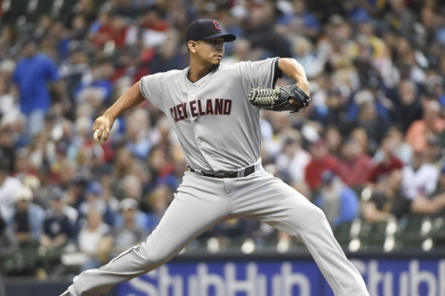 Cleveland Indians top Milwaukee Brewers 6-2 behind Carlos Carrasco complete game