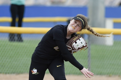 Scouting Softball: Ducks Aim for PAC-12 Title in Final Week vs Cal