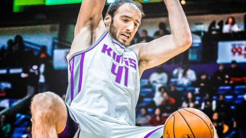 Kosta Koufos to exercise 2018-19 player option with Kings