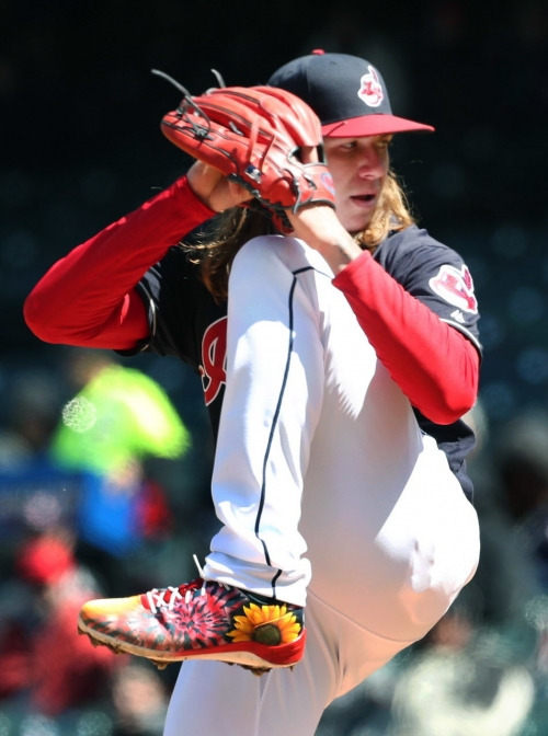 Mike Clevinger's colorful cleats cause controversy, draw warning from MLB