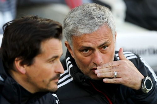 Jose Mourinho's Manchester United assistant manager Rui Faria quits