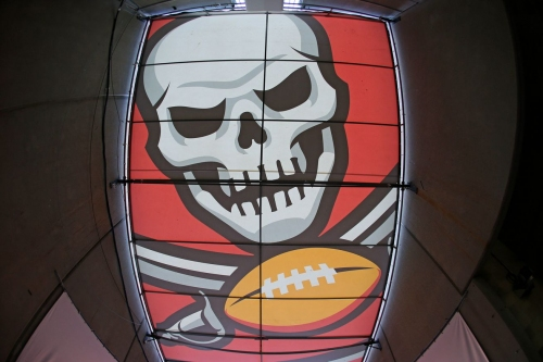 Buccaneers announce roster moves