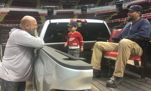 Detroit Red Wings fans scoop up Joe Louis Arena chairs, slice of history