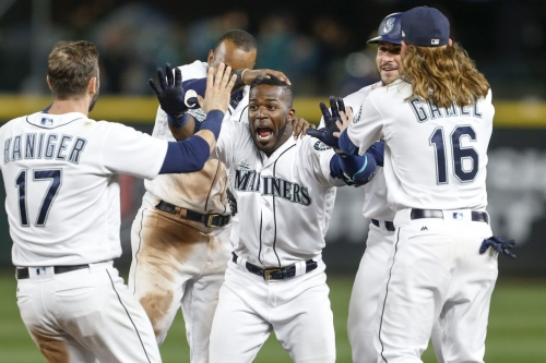Mariners go! Fight! WIN!