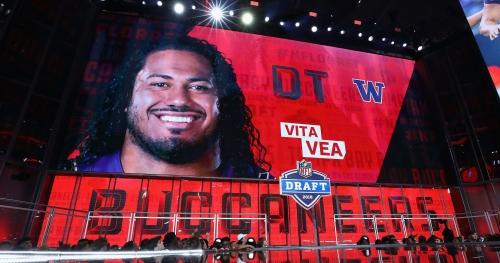 Buccaneers DC Mike Smith calls Vita Vea 'svelte'
