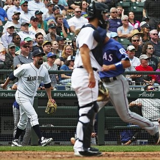 Mariners hit Bartolo Colon but can't score on him in loss to Rangers