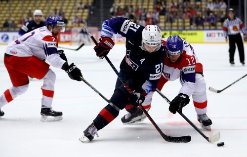 Red Wings' Blashill, Larkin within medal reach at World Championship