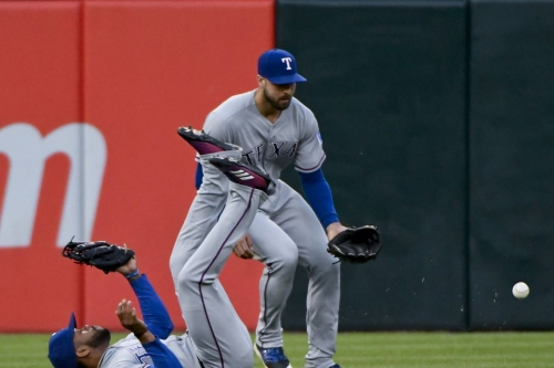 17-28 - Rangers embarrass Delino DeShields in front of his mom, lose to Chicago 4-2