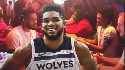 Timberwolves video: Karl-Anthony Towns exchanges Call of Duty trash talk with Kings' De'Aaron Fox