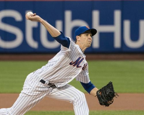 Jacob deGrom leads Mets to win over Diamondbacks