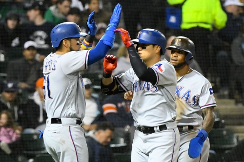 18-28 - Dreary night in Chicago can't stop Rangers from pounding White Sox 12-5