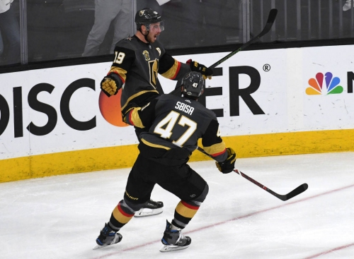 Jets remain grounded by Golden Knights' quick-strike offence