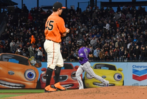 Giants keep the ball on the ground in third straight loss