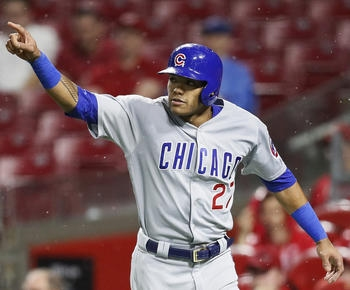 Lester weathers delay, dominates Reds in 8-1 Cubs win