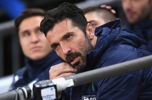 Manchester United and Liverpool to 'rival PSG for Gigi Buffon transfer'