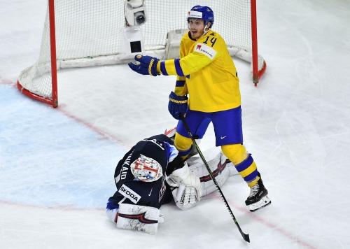 Red Wings' Dylan Larkin eyes bronze after Sweden blasts U.S. at Worlds