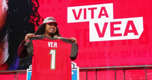 Buccaneers O-line coach excited about DT Vita Vea