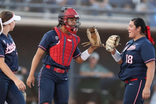 Arizona blanks North Dakota State to advance to Tucson Regional final
