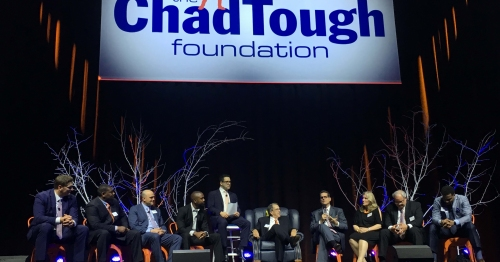 Former Michigan players make ex-coach Lloyd Carr roast of town during ChadTough event