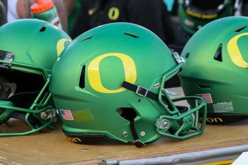 OL Dallas Warmack, Bama grad transfer, commits to Oregon
