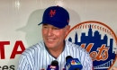 NY Giants coach Pat Shurmur throws out first pitch at Met game