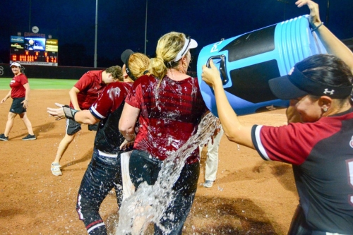 South Carolina softball wins regional to advance to supers for first time since 2007