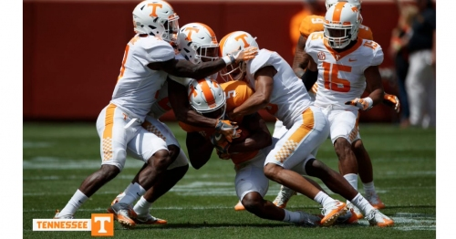 Tennessee football opens season as touchdown underdog to West Virginia,
