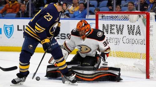 Ducks goalie Ryan Miller out 6 weeks after wrist surgery