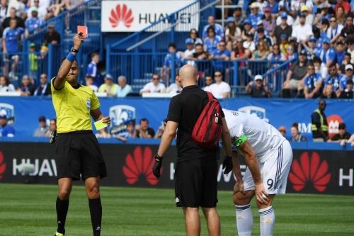 Major Link Soccer: Zlatan sent off