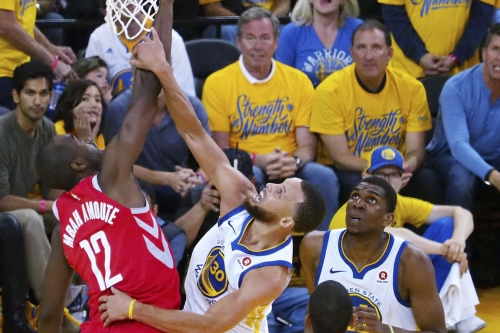 Taking a closer look at Curry's defense against the Rockets