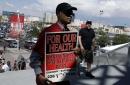 Miles de empleados de casinos aprueban huelga en Las Vegas