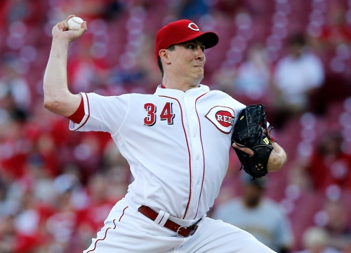 Cincinnati Reds rally but fall to the Pittsburgh Pirates 5-4 in 12