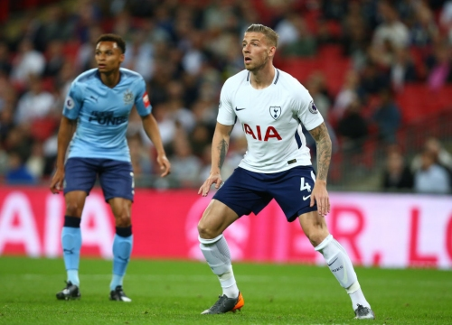 Tottenham Hostpur name Toby Alderweireld price as Manchester United talks begin