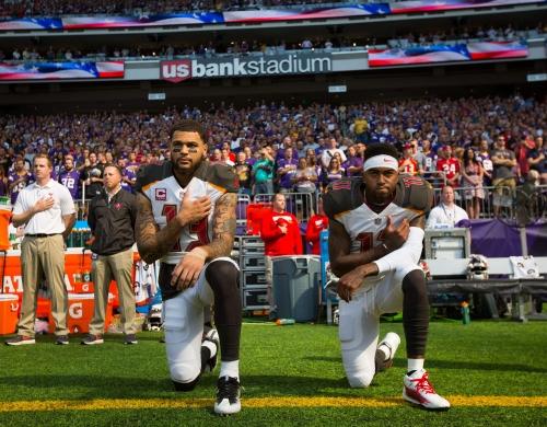 Bucs' Ali Marpet: NFL flip-flopping on anthem policy 'a little bit odd'